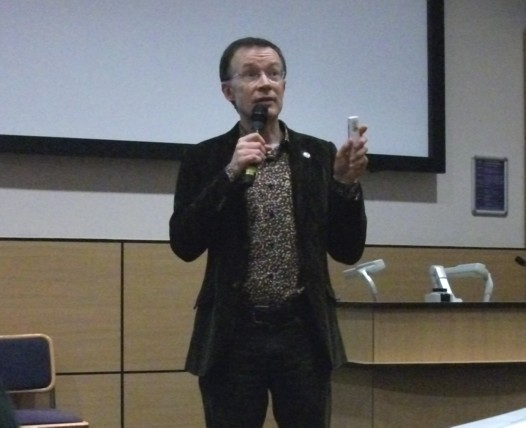 Dundee Comics Day 2011 - Paul Gravett