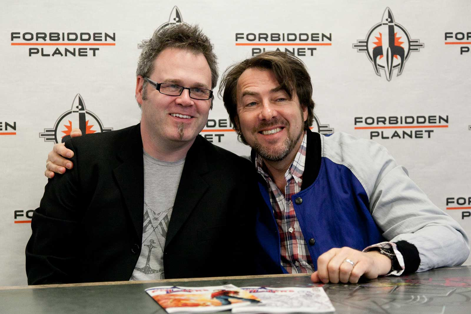 Bryan Hitch and Jonathan Ross. Image courtesy Forbidden Planet