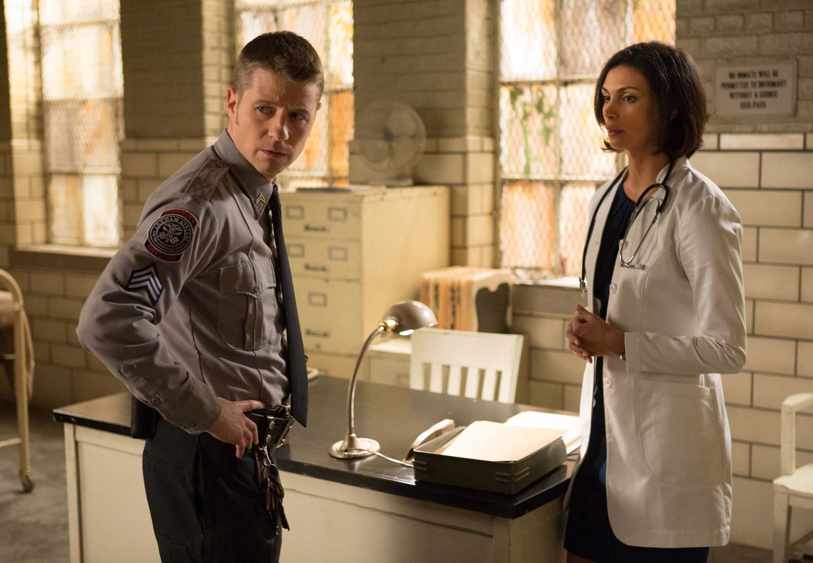 Ben McKenzie as James Gordon and Morena Baccarin as Leslie Thompkins in Gotham: Rogues' Gallery.