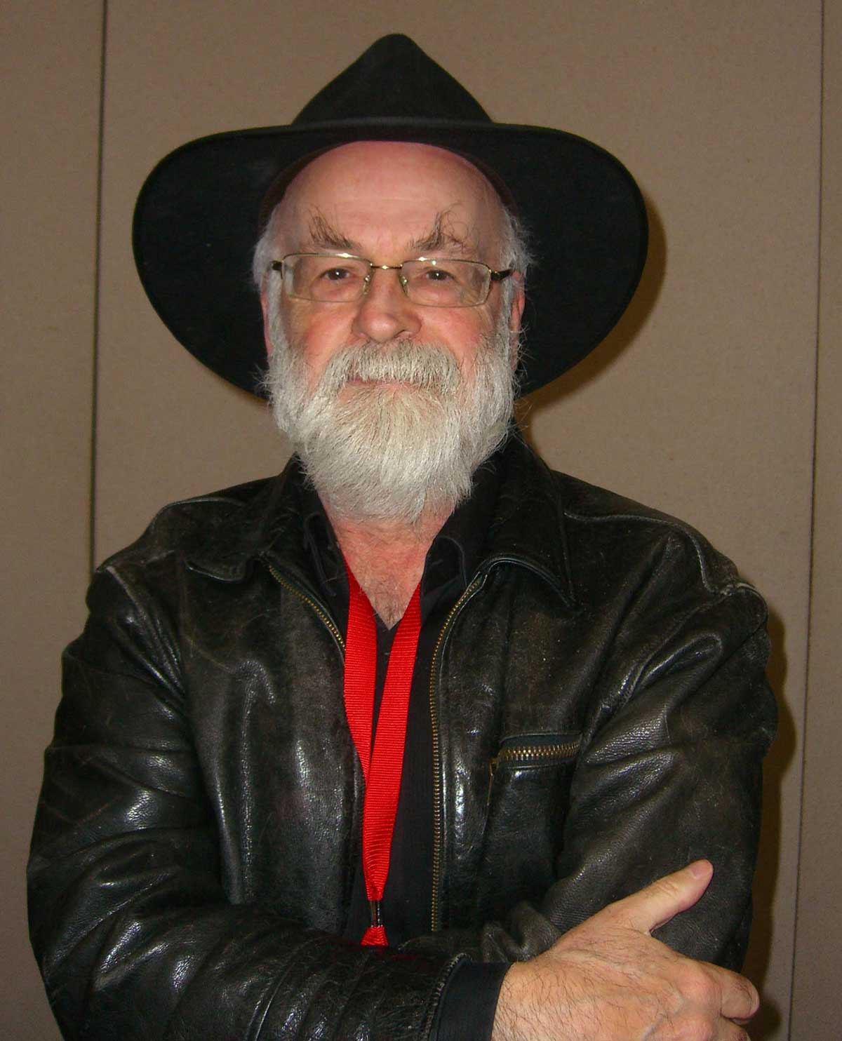 Novelist Terry Pratchett on Day 2 of the 2012 New York Comic Con, Friday October 12, 2012 at the Jacob K. Javits Convention Center in Manhattan Photo: Luigi Novi © Luigi Novi / Wikimedia Commons.