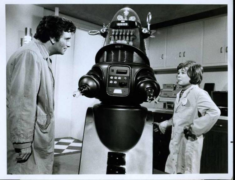 "Robby the Robot guest stares alongside Peter Falk in the 1974 Columbo episode ""Mind over Mayhem"""