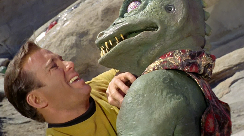 Captain Kirk (William Shatner) and a Gorn starship captain (William Blackburn, uncredited) in the Star Trek episode Arena. Image: CBS